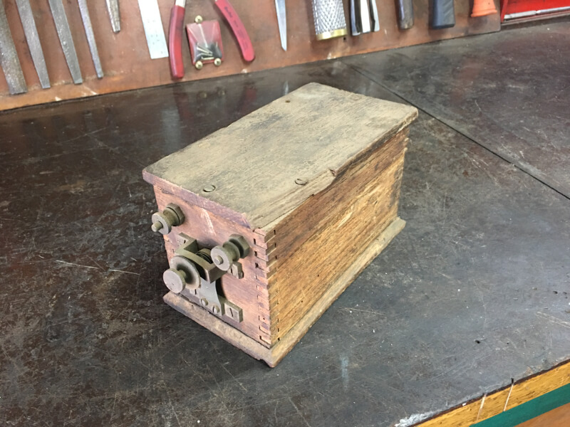 Antique Car Ignition Coil : Magneto repairs services parts antique auto electrics